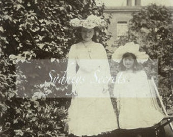 Digital Image - Two Pretty Little Ladies - 1900 Image -  For crafts, decopage, decoration, scrapbooking