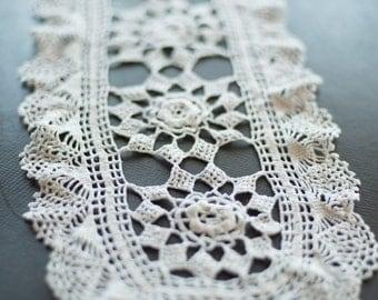 Vintage oval hand crochet doily, applique (Art.TX006)