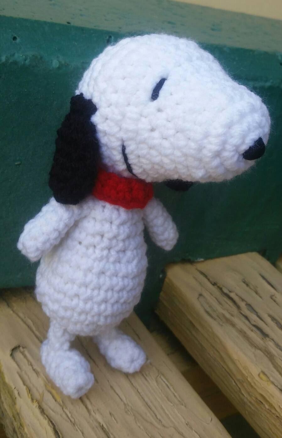 Amigurumi Crochet Toys : Crochet snoopy toy. Stuffed toys. Amigurumi snoopy Charlie