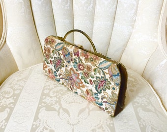 1960s Floral Needlepoint Tapestry Golden Beige Frame Clutch Purse
