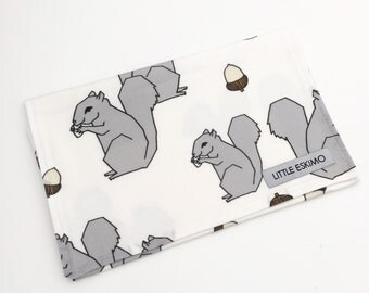 IN STOCK - Burping Cloth, Baby Burp Cloth, Burp Cloth, Shower Gift / Squirrells