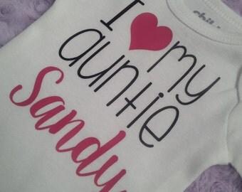 i love my auntie Bodysuit. Auntie Bodysuit. Baby loves auntie. Baby girl, baby boy. Baby shower gift.
