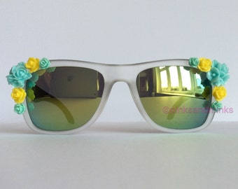 Yellow Canary - Reflective Embellished Mirrored Sunglasses Black Temple Arm Blue Yellow Flowers Sunnies