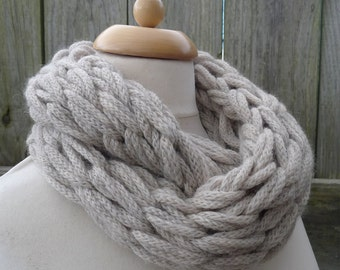 Merino Snood: cream