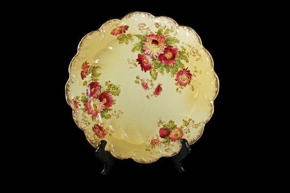 Decorative plate, Display plate, Hand Painted Plate, Gold Gilt, Floral Pattern, Plate with Holder