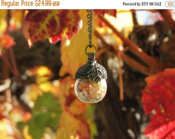 ON SALE Fall Jewelry - Fall Necklace - Acorn necklace - Acorn pendant necklace - Acorn charm necklace - Autumn acorn necklace - Fall acorn n
