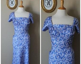 V-DAY Sale Vintage 1950 ~ 50's Blue Wiggle Floral Print Dress
