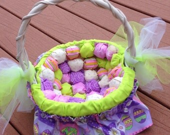 """Easter basket with handmade """"biscuit"""" or """"puffy"""" quilt lining"""