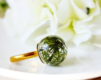 Orb / ring / green / Water Plant Ring, Real Flower Jewelry, Resin Jewelry, Botanical Jewelry, Terrarium Jewelry, Natural Ring, Gift for her
