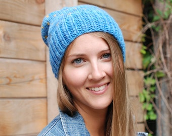 Big fat slouchy merino wool beanie - Denim blue with gold accents - Knitted oversized hat for adults and teens - Authentic chunkywool