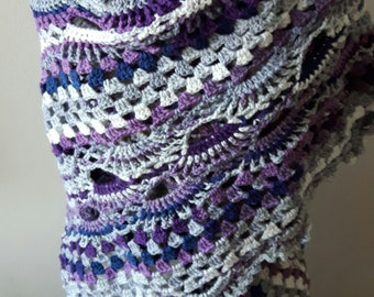 Soft and warm shawl, really large, grey-blue-white and purple