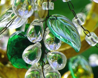 Murano glass chandelier from the 1940s. Murano fruits blown and moulded. Crystal drops chandelier.