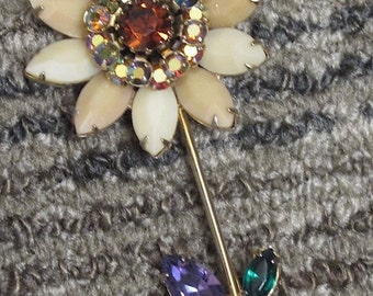 Vintage Signed Weiss Flower Brooch Pin Rhinestones Daisy Aurora Borealis Center Agate Petals