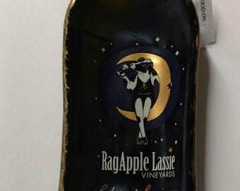 RagApple Lassie Curved Wine Bottle Serving Tray