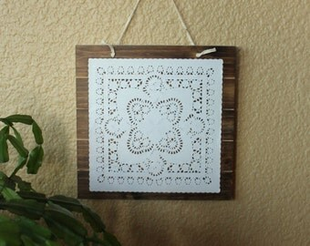 Wooden doily decorative sign