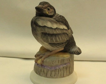 Boehm Fledgling Magpie 476 porcelain bird figurine