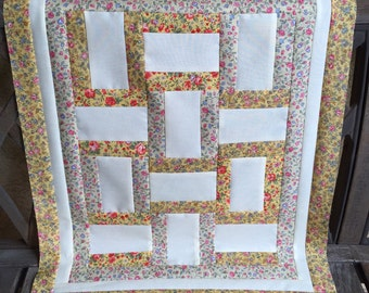 """17"""" x 21 1/2"""" Yellow Floral Fence Rail Quilt *Top Only* Table Topper 