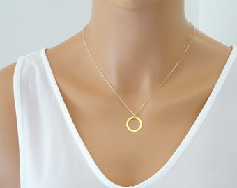 Hammered disc necklace, Open Circle Necklace, 14 k Gold fill Layering Necklace, Minimalist Jewelry, Circle pendant, Minimalist jewelry