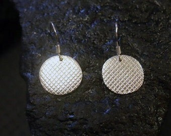 Handmade earrings Sterling Silver Earrings Dangle Silver Earrings Silver Circle Earrings  silver everyday earings,  small everyday earrings,