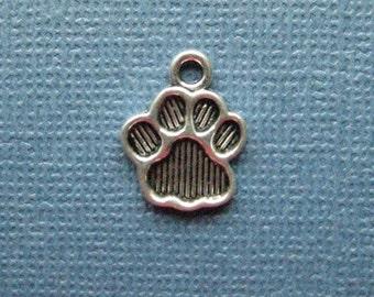 10 Paw Print Charms - Paw Print Pendants - Animal Charm - Paw Print - Antique Silver - 15mm x 11mm  --(No.137-11012)