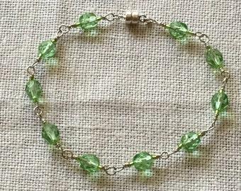Sterlingsilver 925 braclet whit peridot green fire polished pearl