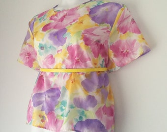 Vintage Women's Pastel Watercolor Floral, Short Sleeve, Box Blouse Size XLarge by Blair Boutique