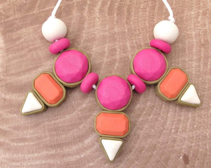 DYNASTY NECKLACE// Polymer clay statement necklace// Blood orange fuchsia & white handmade necklace// Geometric color blocked bib// #SN3038C