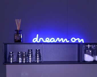 Neon Sign DREAM ON