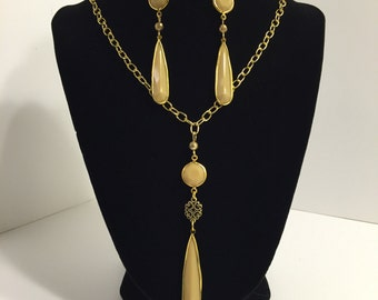 Cream Drop Necklace and Earrings Set