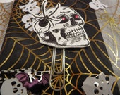 Creepy Red Eye Skeleton Head  with a Spider Halloween Paperclip