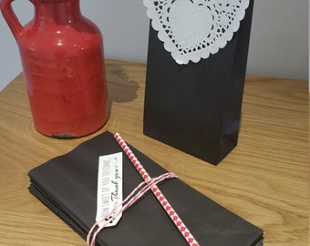 Paper Favour Bags or Candy Bags  Pk20 -  Black