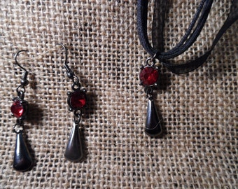 Red Vamp Necklace and Earrings Set (Goth Victorian Romantic)