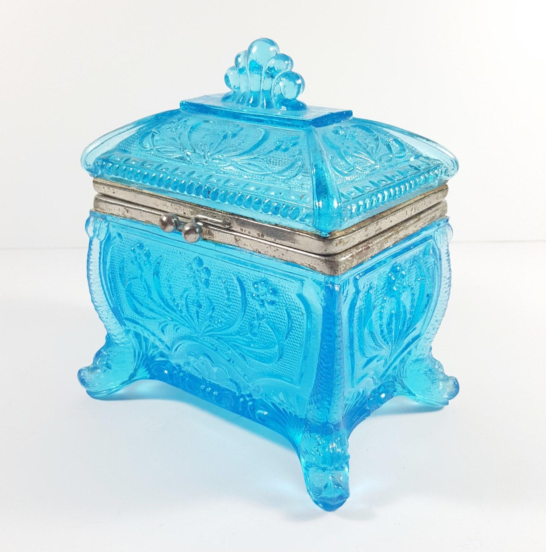 Vintage antique blue glass trinket box jewelry box with for Vintage antique jewelry box
