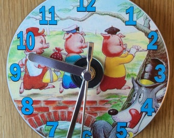 THREE LITTLE PIGS Cd Clock (Can be Personalised)