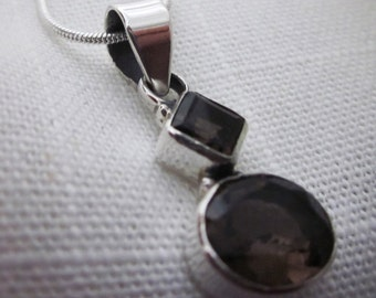 Engaging Smoky Quartz Gemstone Silver Pendant Necklace