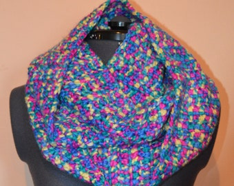 Crochet infinity scarf and matching hat