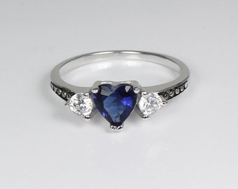Blue Sapphire Sterling Silver Ring / Blue Sapphire Ring