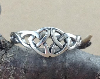 Celtic Ring~Silver Celtic Double Trinity Knot Ring~Knotted Ring~Irish Knot Ring~Celtic Knot Ring~Promise Ring~Woven Knot Ring~Gift for Her