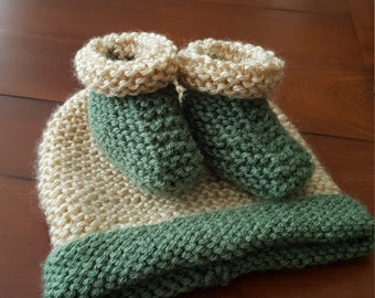 Green/Ivory Hat and Bootie Set