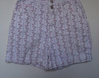 80s high waist shorts// Floral denim boho hipster cute mom jeans// Vintage Arizona// Women's size  3 4 - 25 waist
