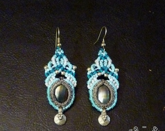 Light blue macramé earrings with mother of pearl