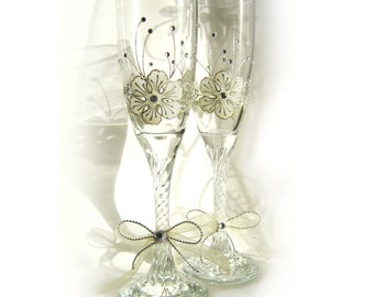 Wedding Glasses, Hand Painted Wedding Glasses, Toasting Glasses, Champagne Flutes, set of 2