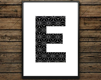 Premium Poster E Letter - Scandinavian Style - Wall decoration - Typographic Design - Black and White Poster - ideal for Gift
