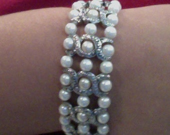 Upcycled pearl bracelet