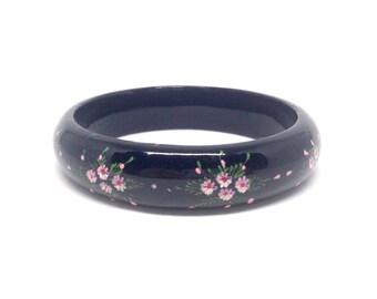 Vintage Jewelry Black Painted Lacquer Flower Estate Bangle Bracelet