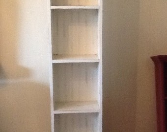 Space efficient bookcase