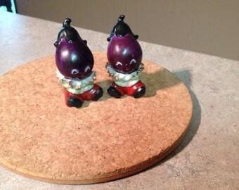 Pickaninny Eggplant Souvenir Salt and Pepper shakers