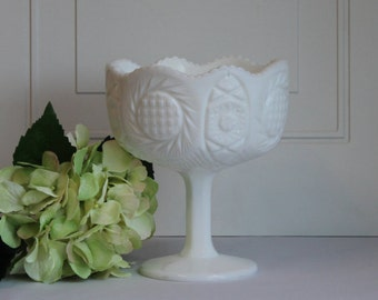 Kemple Milk Glass Dish, Pedestal Milk Glass Candy Dish, Vintage Kemple Aztec Sunburst Milk Glass Compote, Wedding Decor