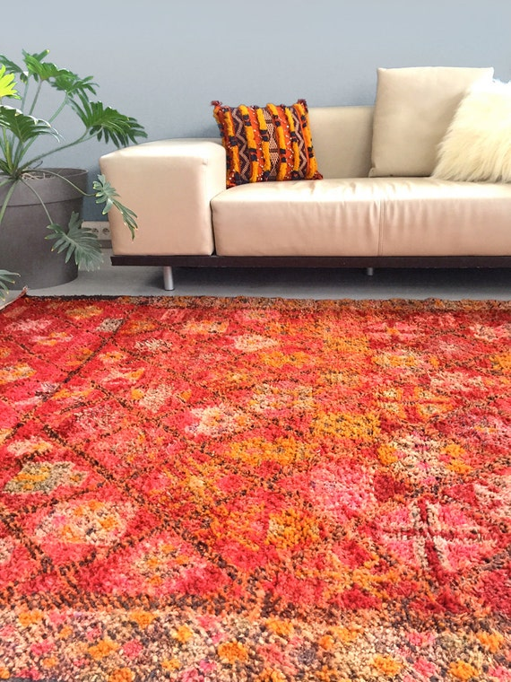 Vintage Moroccan Rug TIMES Beni Mguild rug by SunnyHomeStory