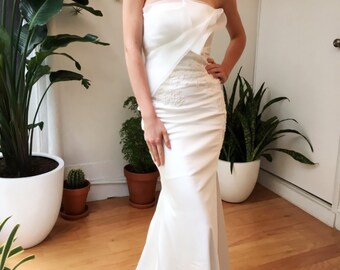 Slim Fitting Strapless Mermaid Wedding Dress